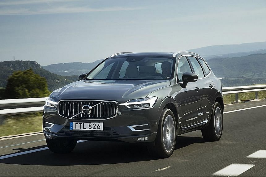 The Volvo XC60 is equipped with advanced amenities and the latest technologies, most of which come from the XC90.