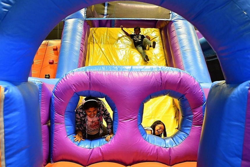 The free-to-play Inflatable Zone is just one of the highlights of The Kidz Academy. Children can also enjoy live performances and free trial classes by enrichment providers. The Kidz Academy is taking place alongside Baby Baby and Health Fiesta at Su