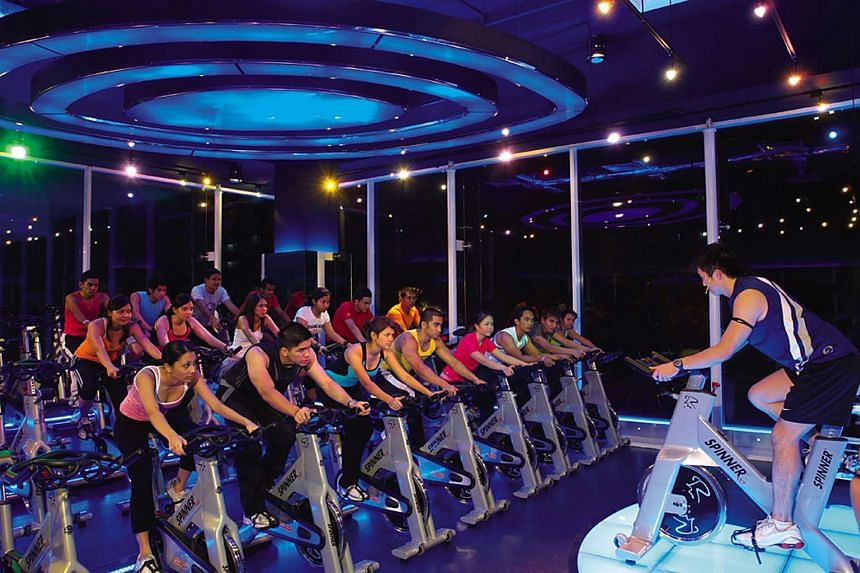 A fitness class at a True Fitness outlet.