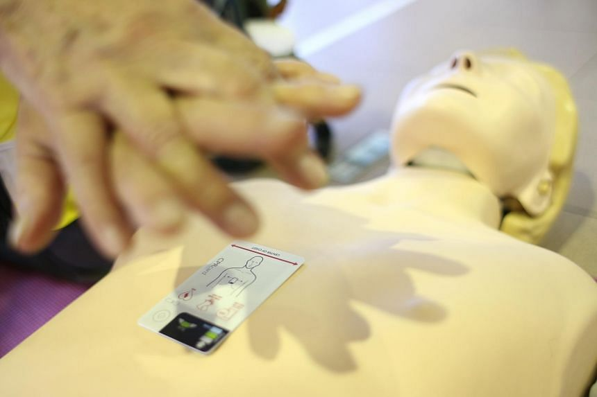The CPRcard can alert a rescuer if they are performing chest compressions too quickly or deeply, and allow them to adjust the pace on the spot.