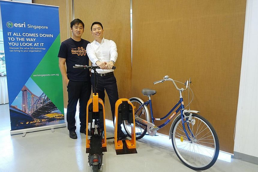 Neuron Mobility founder Zachary Wang (left) and Esri Singapore CEO Thomas Pramotedham. Mr Wang said the Esri Start-up Programme has provided his firm with a full-suite software platform as well as professional support, which a start-up would typicall
