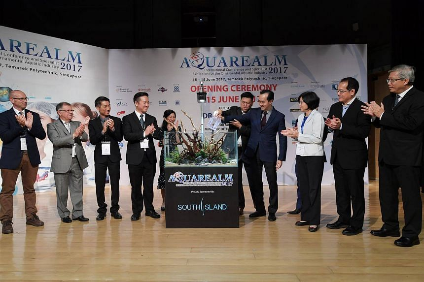 Dr Koh Poh Koon (fourth from right) at the opening ceremony of the inaugural Aquarealm 2017 at Temasek Polytechnic.