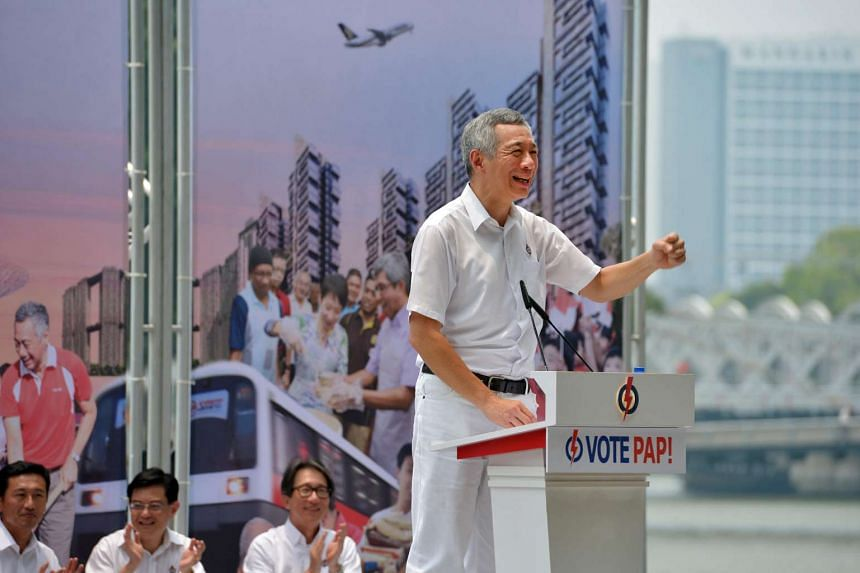 PM Lee Hsien Loong speaks at the PAP lunchtime rally held outside UOB Plaza in Raffles Place on Sept 8, 2015.