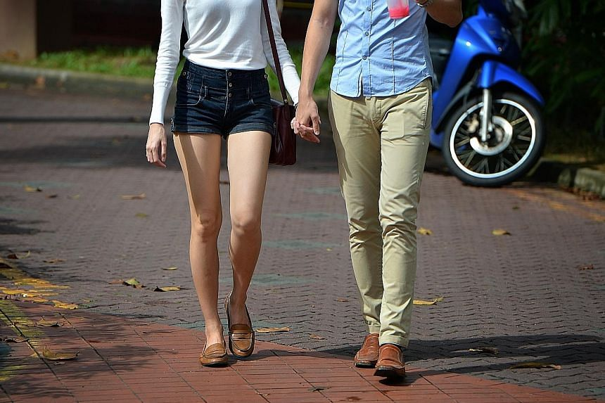 A study of 688 sexually active teens has found that many of the young men had sex with prostitutes or casual partners, while an overwhelming majority of the young women had sex with their boyfriends.