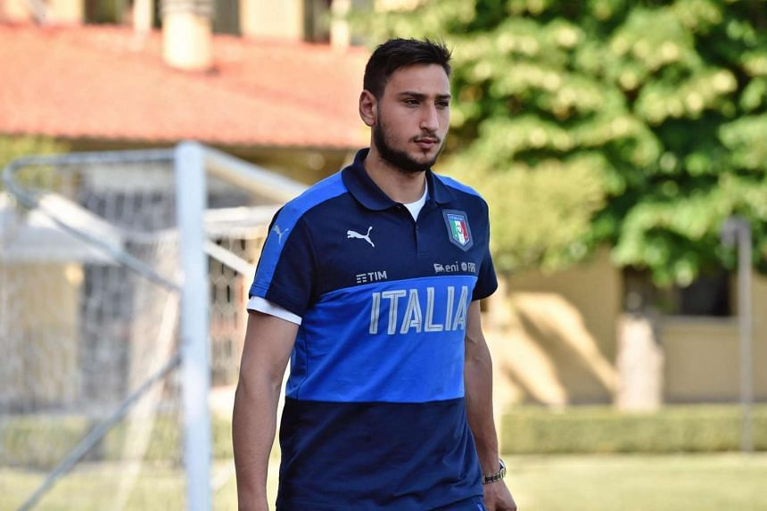Italy's goalkeeper Gianluigi Donnarumma during a training session of the Italian national soccer team at Coverciano sportive center, near Florence, Italy, June 3, 2017.