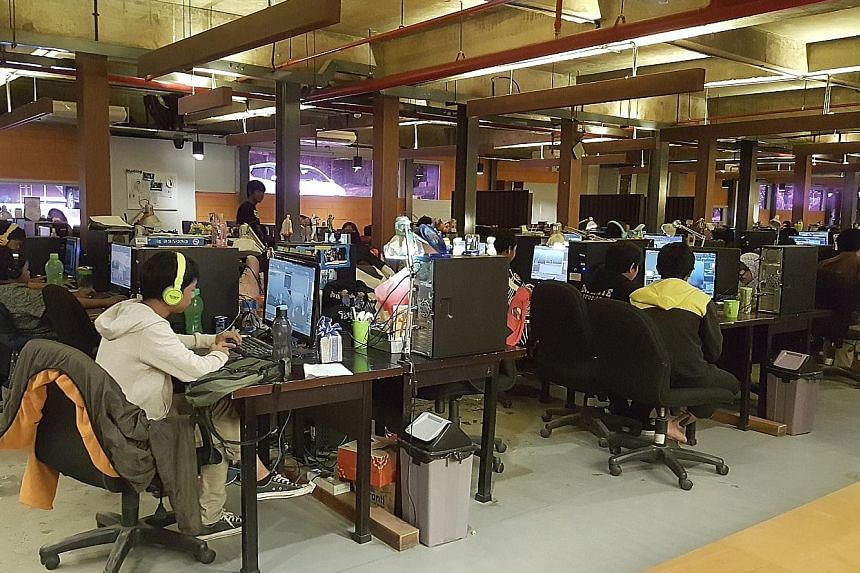 Young Indonesian animators working in the studio belonging to Infinite Studios, a Singapore-based integrated media entertainment and creative service company. Infinite Studios has produced movies and animated TV series at its Nongsa facility, includi
