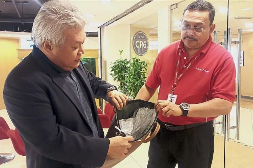 Stealth shopping: A bag lined with aluminium foil that was seized recently.