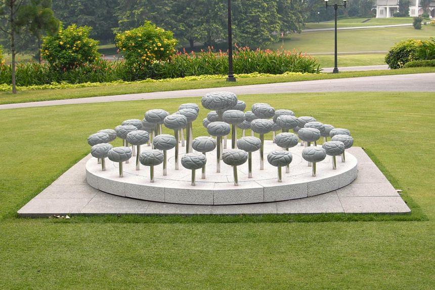 Transformation Series 2 by Han Sai Por is in the Istana Art Collection. It is displayed on the Istana Grounds.