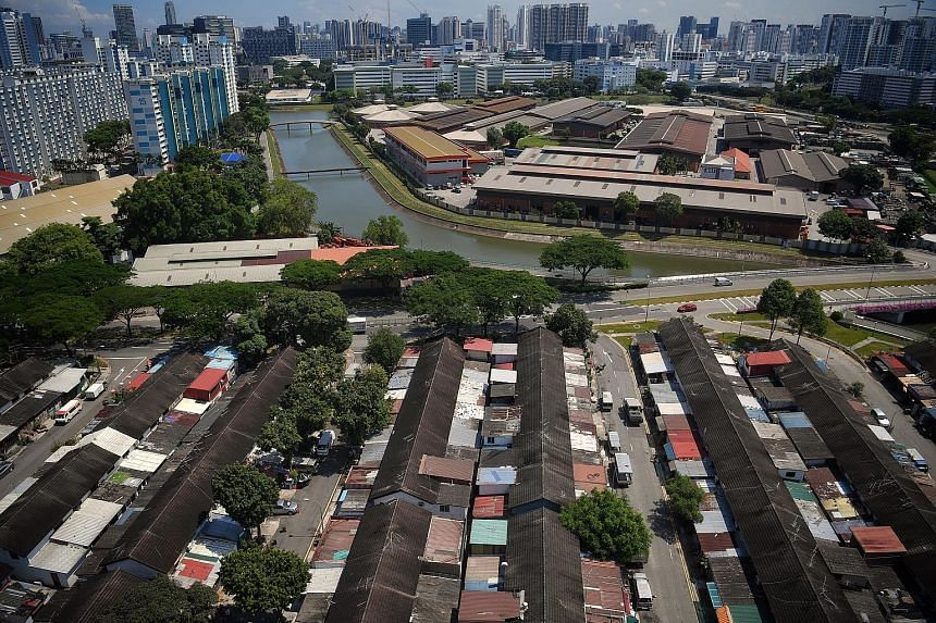 The houses in Geylang Lorong 3 were sold on 60-year leases in 1960. Thirty-three owners are still living there. The rest of the units are being used for religious activities or are rented out to foreign workers. This is the first time a residential p