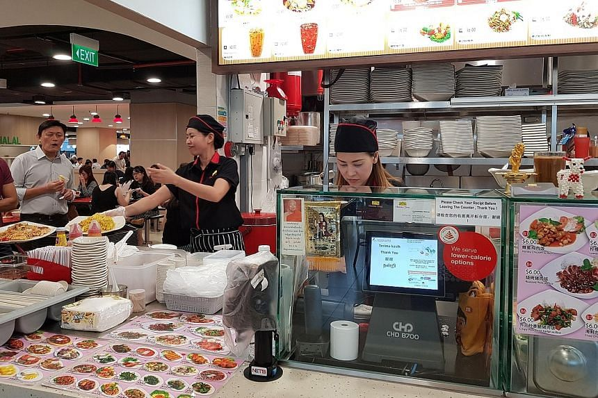 At Mapletree Business City, one of the dedicated healthy workplace ecosystems, foodcourts offer healthier choices in the form of low-calorie meals.
