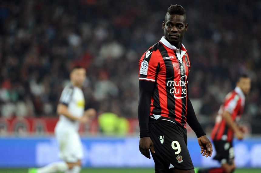 Mario Balotelli has signed a new contract with French Ligue 1 outfit Nice on Sunday (June 25).
