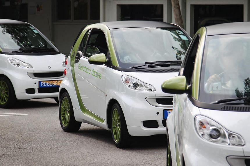 Battery-powered Smart two-seaters from Daimler at the electric vehicle test-bed launch, on June 25, 2011.