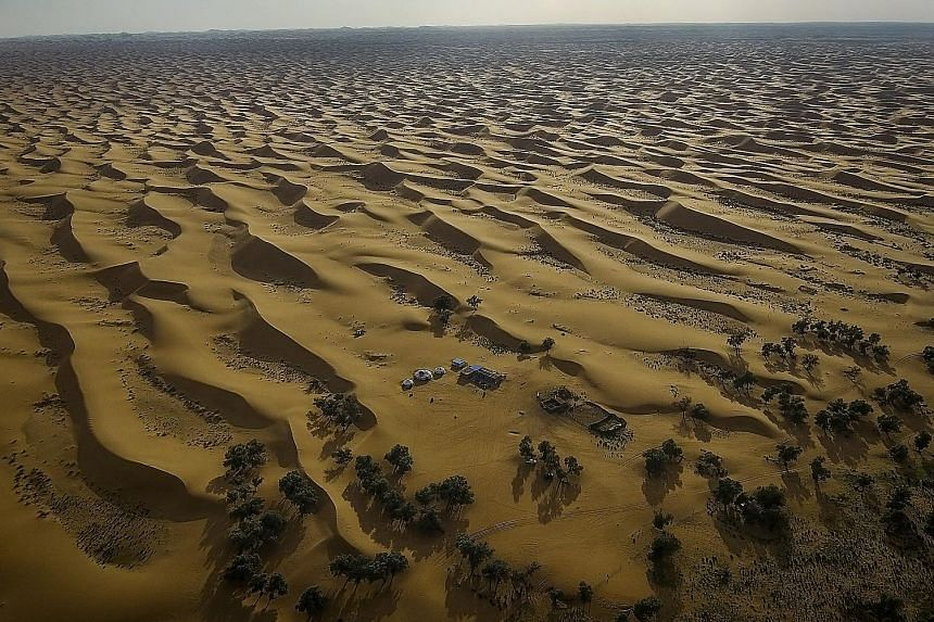 The Tengger desert in Inner Mongolia. Official statistics from Inner Mongolia's vast municipal area of Hulunbuir show that the economic loss from the recent drought has been 5.3 billion yuan.