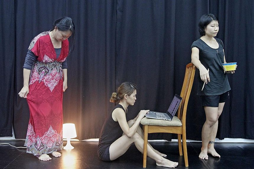 (From left) Ebelle Chong, Neo Hong Chin and Pat Toh in Man Man Zou (Phase 1), one of three presentations in RawGround: Clutter.