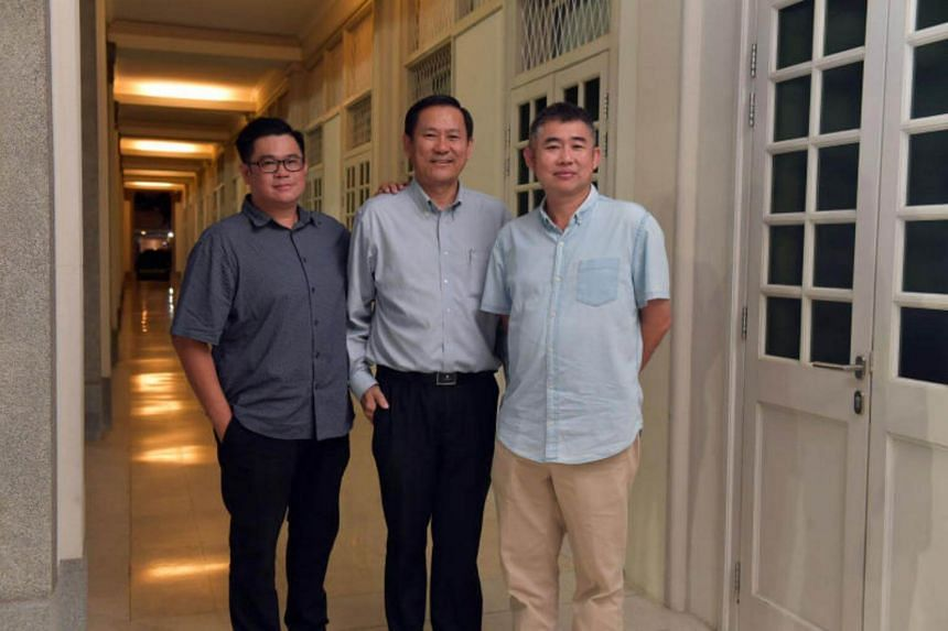 (From left) Mr Raymond Wang, Siglap Diabetes Task force and Member, Siglap Citizen's Consultative Committee, Mr Lim Teck Lee, Deputy Principal ( Academic), ITE College East and Mr Tan Hang Kian, PBM- Chairman, Siglap Citizen's Consultative Committee.