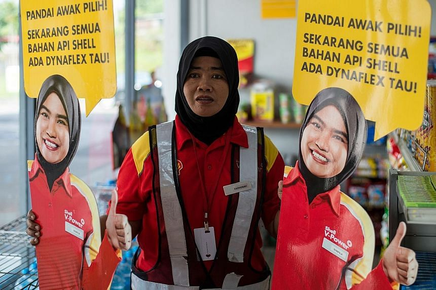 "Shell has removed from its petrol stations in Malaysia life-sized cut-outs depicting a smiling female staff member after photos of men groping the figure started circulating on Facebook. The energy giant has blasted the ""distasteful and suggestive ac"