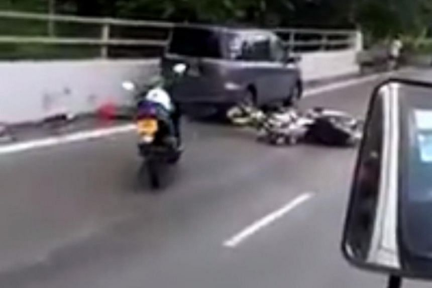 An oil spill on the Seletar Expressway (SLE) on Saturday (July 8) morning led to a series of accidents, which saw 12 people taken to hospital.