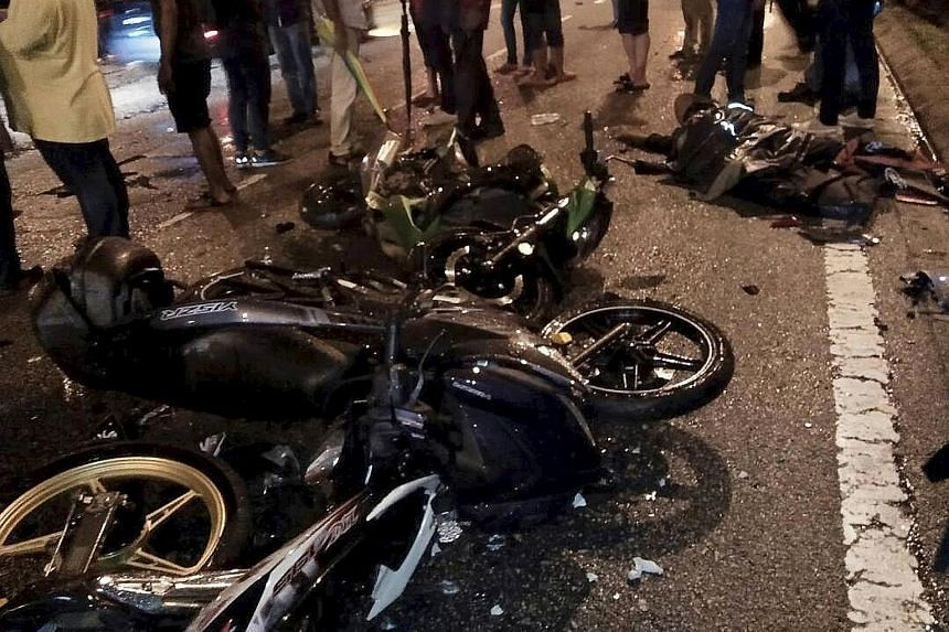Two motorcyclists were killed on the spot. Three other people were seriously injured.
