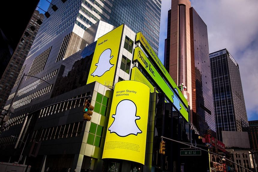 Snap's stock fell as low as US$16.95 in late afternoon trading on Monday before closing at US$16.99 on the New York Stock Exchange. Dipping below an IPO price is seen on Wall Street as a setback to be avoided, but it is not uncommon for Silicon Valle
