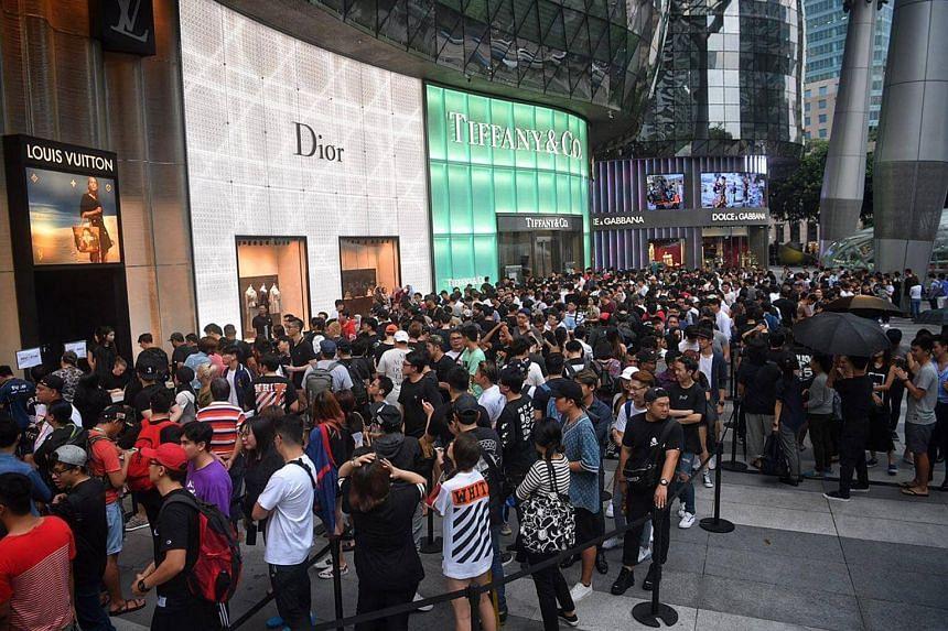 The queue outside Louis Vuitton.