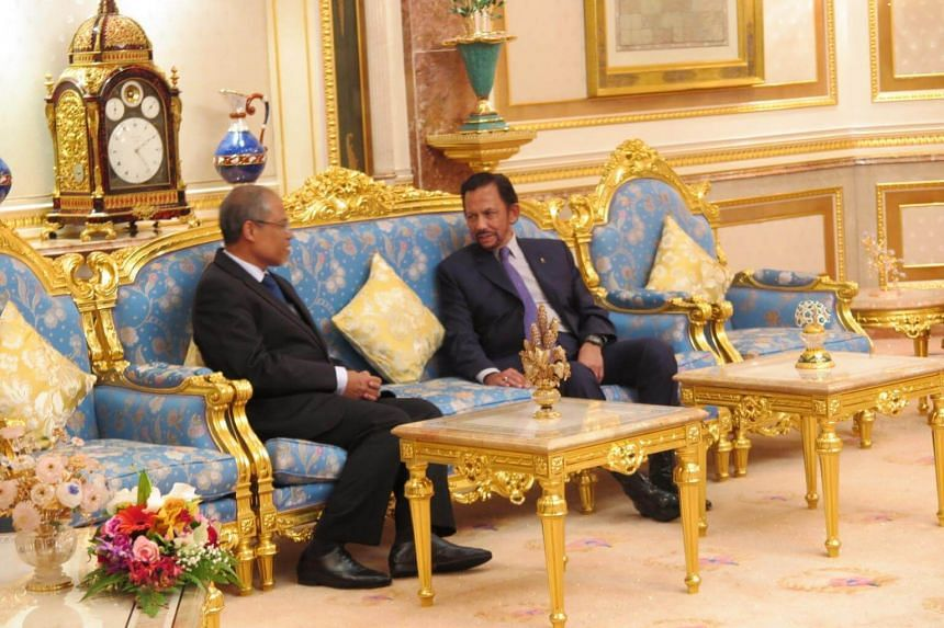 Minister for the Environment and Water Resources Masagos Zulkifli (left) had an audience with Brunei Sultan Hassanal Bolkiah to convey the birthday wishes of Singapore's leaders to him.