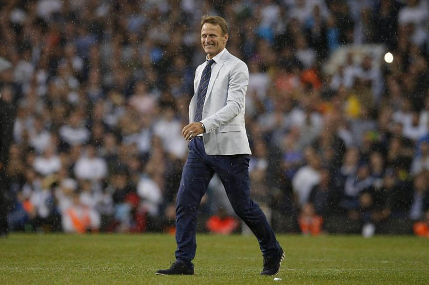Former Tottenham player Teddy Sheringham during the ceremony after the game on May 15, 2017.