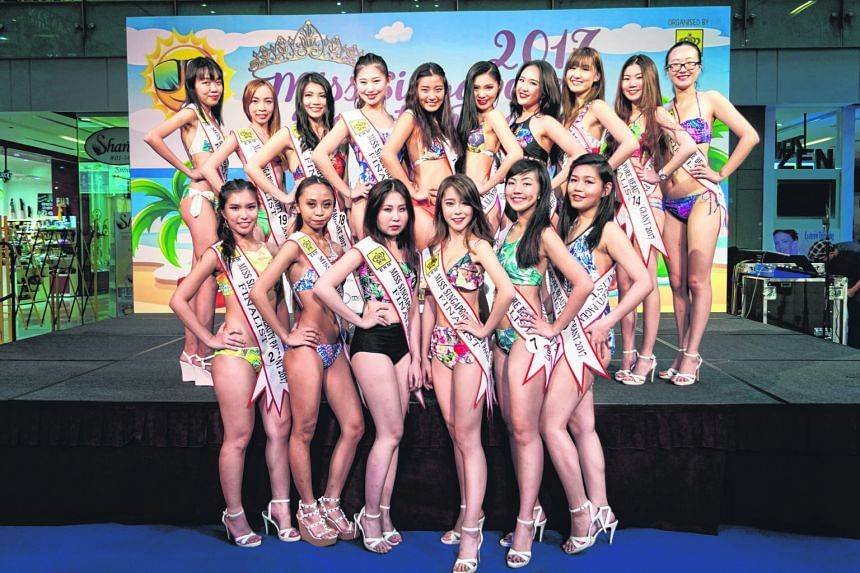 The unofficial photo of the pageant finalists was taken by a member of the public at One KM mall.
