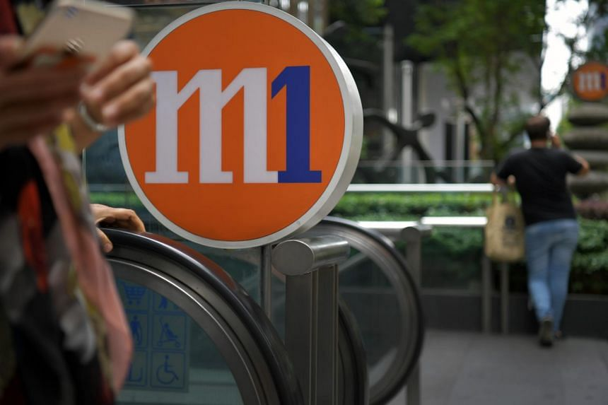 M1's share price fell in early trading on Wednesday (July 19) after the company's biggest shareholders called off a strategic review of their stakes.