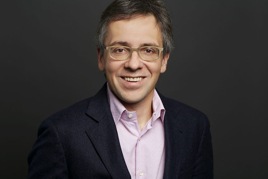 Analyst Ian Bremmer took to Twitter to question Mr Trump about his meeting with Mr Putin.