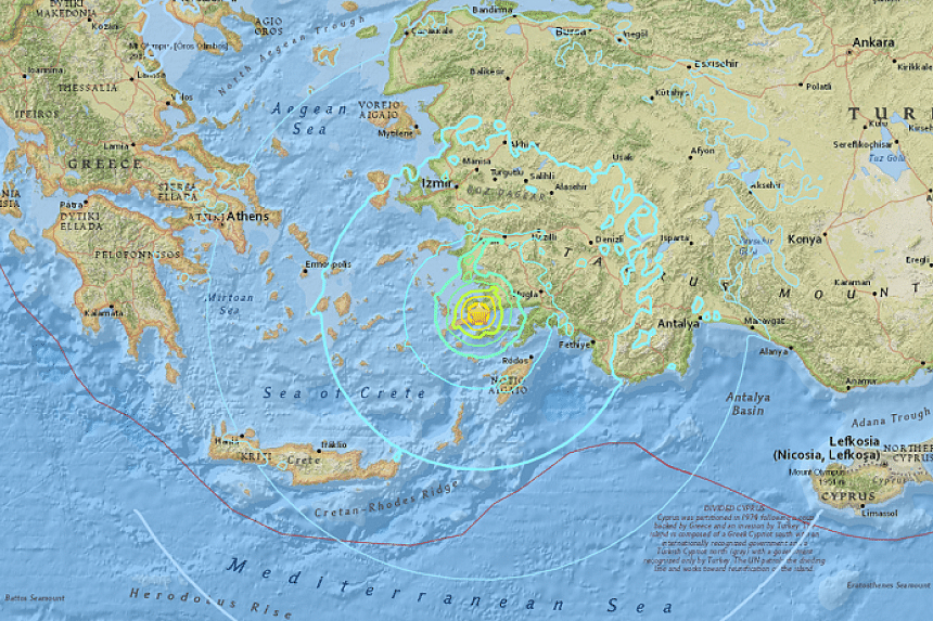 A 6.7-magnitude earthquake off the south-western coast of Turkey could cause a small tsunami in the area, European quake agency EMSC said.
