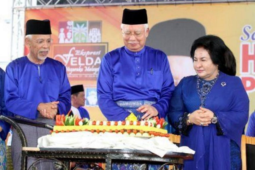 Malaysian Prime Minister Najib Razak has announced six incentives for Federal Land Development Authority (Felda) settlers.