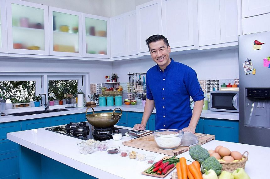 On cooking show At Home With Phol, Thai celebrity chef Phol Tantasathien shares fuss-free recipes for traditional and modern-fusion Thai dishes.
