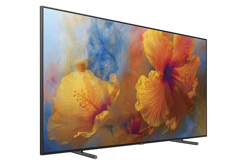 LCDs can produce extremely bright images and the Samsung Q9F takes this to a new level - it can become blinding, especially in a dark room. Its brightness means that, even in a well-lit room, its colours still look dynamic and vivid.