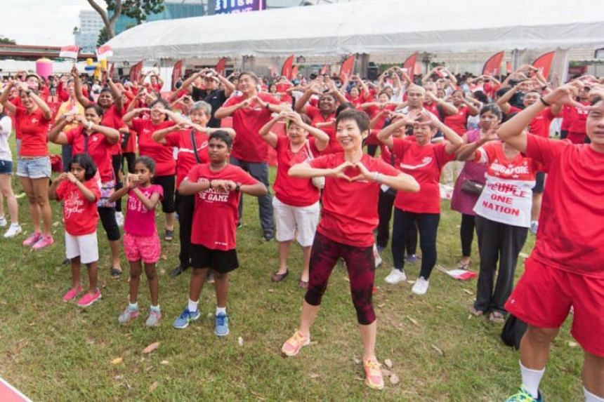 Minister Grace Fu joining the participants in the GetActive! Singapore workout at GetActive! @ Heartlands (Jurong) on Aug 7, 2016.