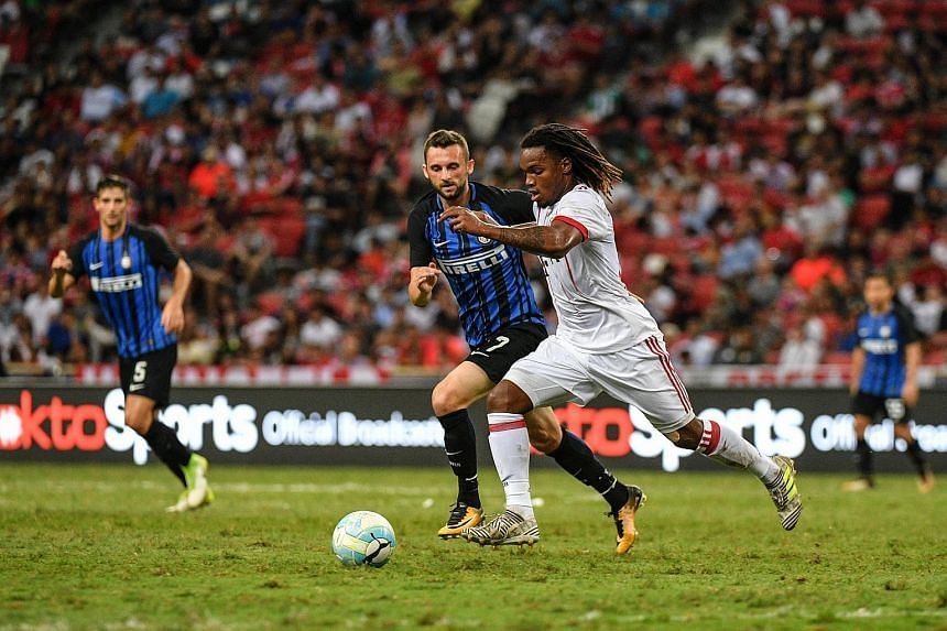 Bayern Munich's Renato Sanches (right) vies for the ball with Inter Milan's Marcelo Brozovic during their ICC match at the National Stadium on July 27, 2017.