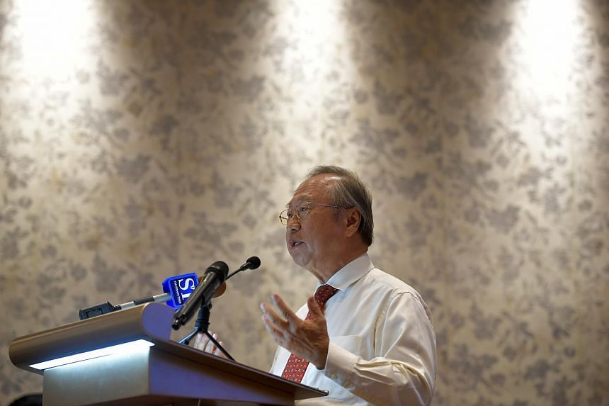 Tan Cheng Bock speaking at a press conference held at the Sheraton Towers on 31 March 2017.