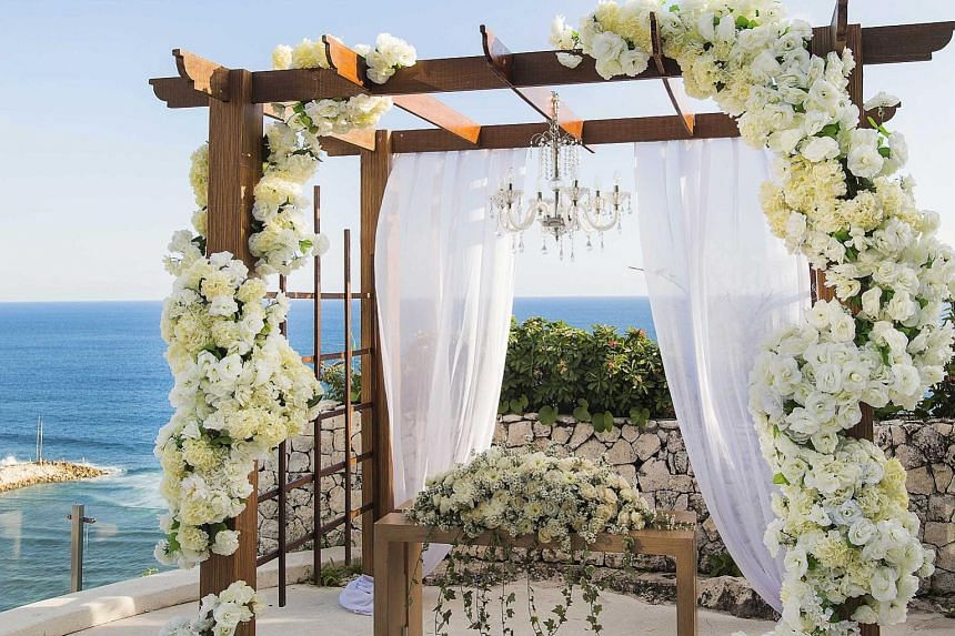 Banyan Tree Ungasan, Bali, is offering a wedding package at 40 per cent off, which includes a wedding preparation room and floral arrangements.