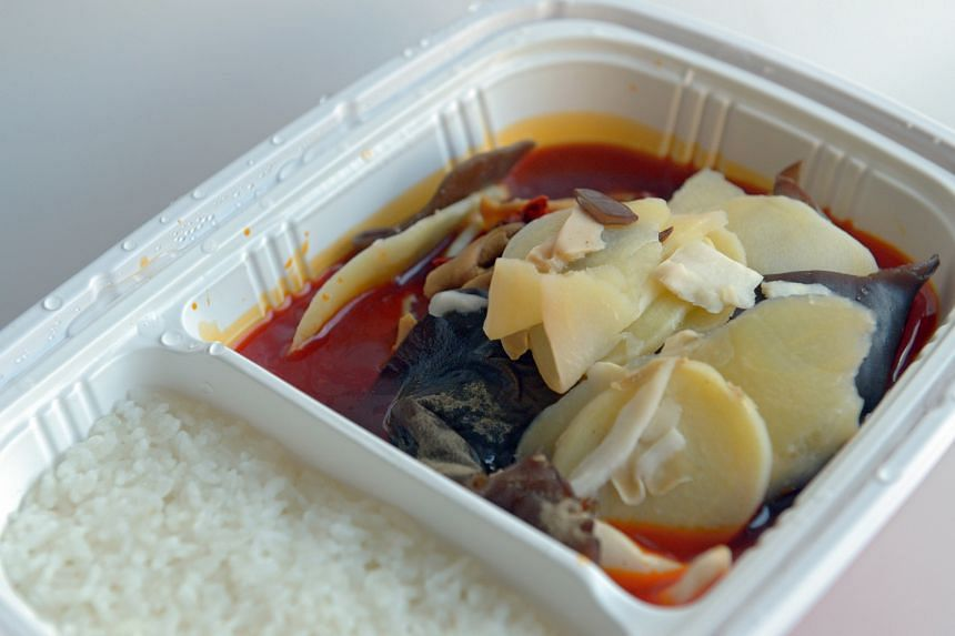 Ba Shu Lan Ren offers three flavours of instant mala hotpot: original, rice and meat (above) and beef.