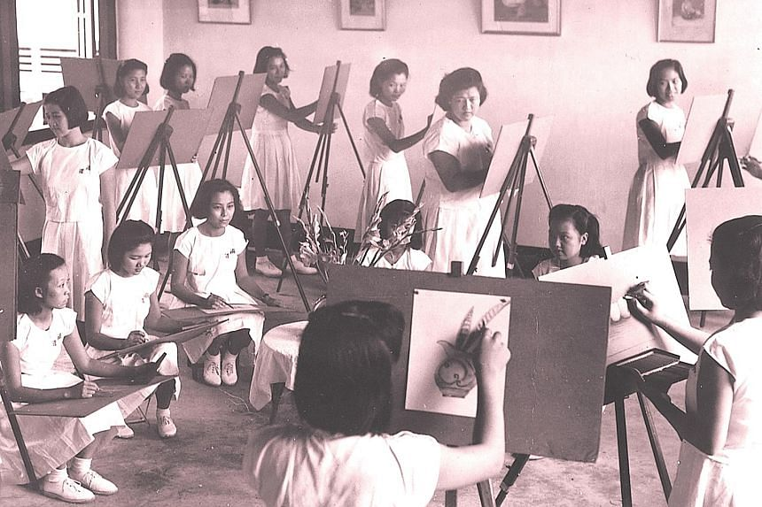Nanyang girls had the opportunity to take art lessons in the 1950s.