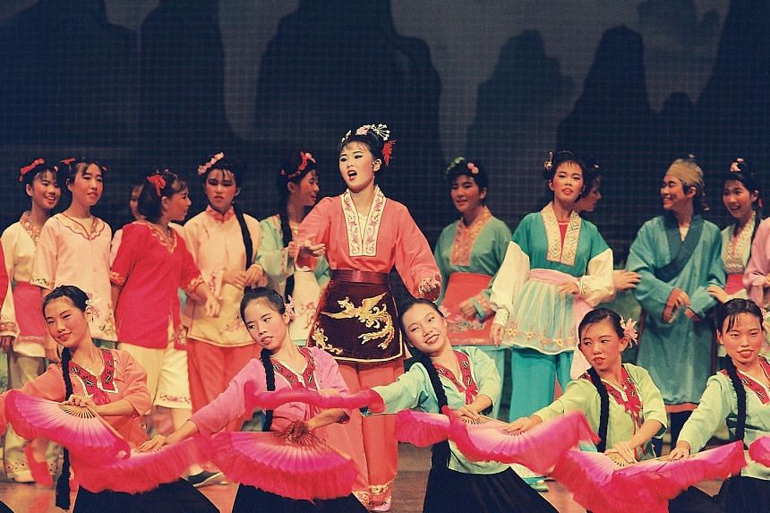 Nanyang Girls' students putting up a theatre production of Liu San Jie in 1994.