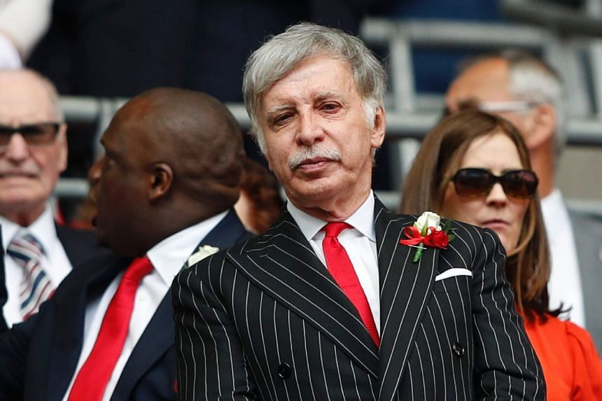 Arsenal's US owner Stan Kroenke waits for the FA Cup final kick off against Chelsea, May 27, 2017.