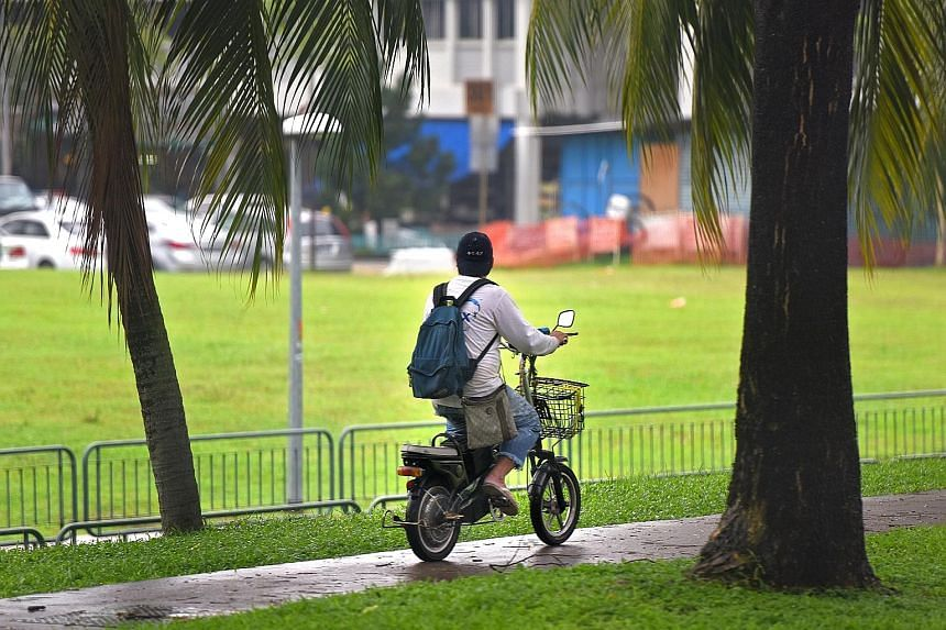 Since 2004, there have been 30,000 electric bicycles that carry the LTA seal and are approved for use on public roads. About half are estimated to be still in use now.