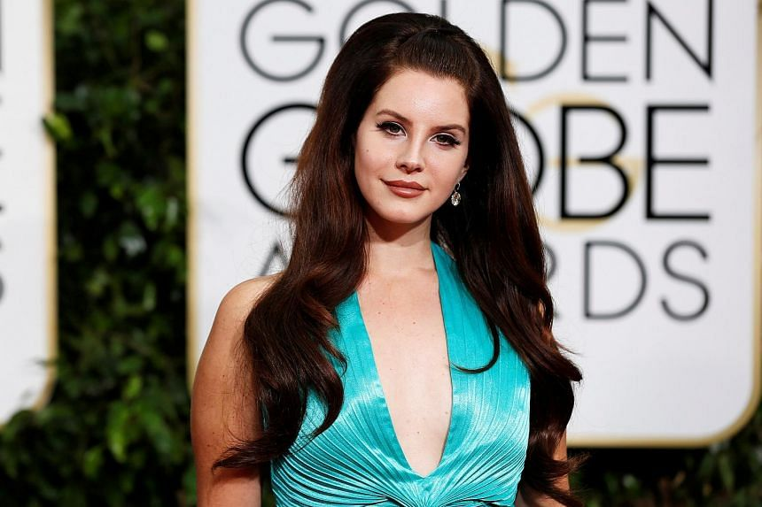 Lana Del Rey arrives at the 72nd Golden Globe Awards in Beverly Hills, California on Jan 11, 2015.