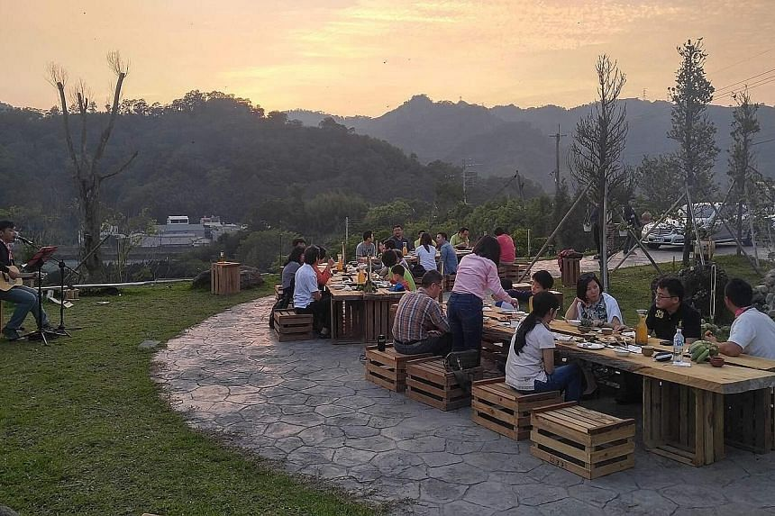 Some 60 visitors having dinner in Dahu town in Miaoli as part of a day-long trip in May organised to introduce them to the Hakka way of life, including the cuisine and music. President Tsai Ing-wen, a Hakka herself, promised to revitalise the Hakka c