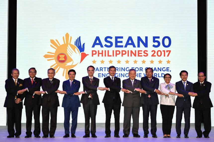 (From left) Malaysia's Foreign Minister Anifah Aman, Myanmar Minister of State of Foreign Affairs U Kyaw Tin, Thailand Foreign Minister Don Pramudwinai, Vietnam's Foreign Minister Pham Binh Minh, Philippine Foreign Secretary Alan Peter Cayetano, Sing