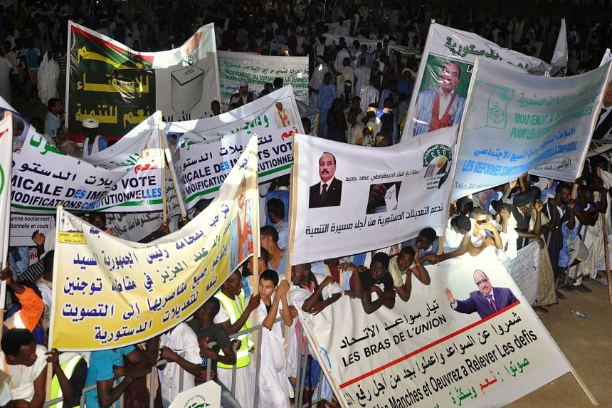 Supporters of Mauritanian President Mohamed Ould Abdel Aziz in a rally on July 20, 2017, ahead of the constitutional referendum on scrapping the Senate and changing the national flag.