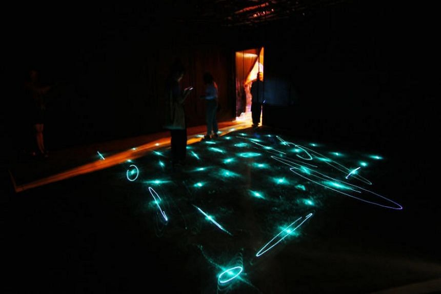 Light| Dark is a mixed-media installation work by Wong King Lam, Viena Lee, Sylvester Tan and Bridgel Sze that pays homage to bioluminescence, a form of luminescence found in nature.