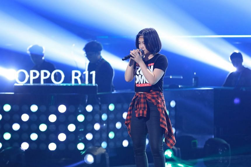 Singaporean singer Khim Ng performs on Sing! China. PHOTO: SINGTEL TV JIA LE CHANNEL