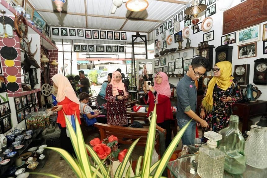 Third Iteration of Jejak Warisan tour to Jalan Ampas studio, which used to be the heart of the Malay film industry.