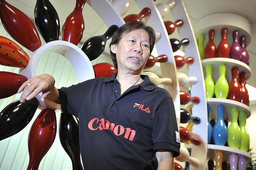 Henry Tan, twice the Coach of the Year, was known to be strict but yet caring and kind to bowlers.